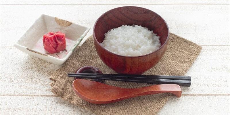 胃に負担をかけないお粥ダイエットで健康的に痩せる方法
